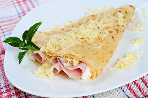 Crepes saludables de jamón y queso.